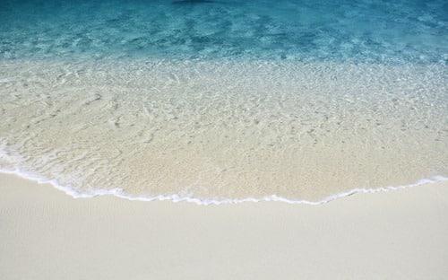 Mac OS X Lion's Seaside Wallpaper