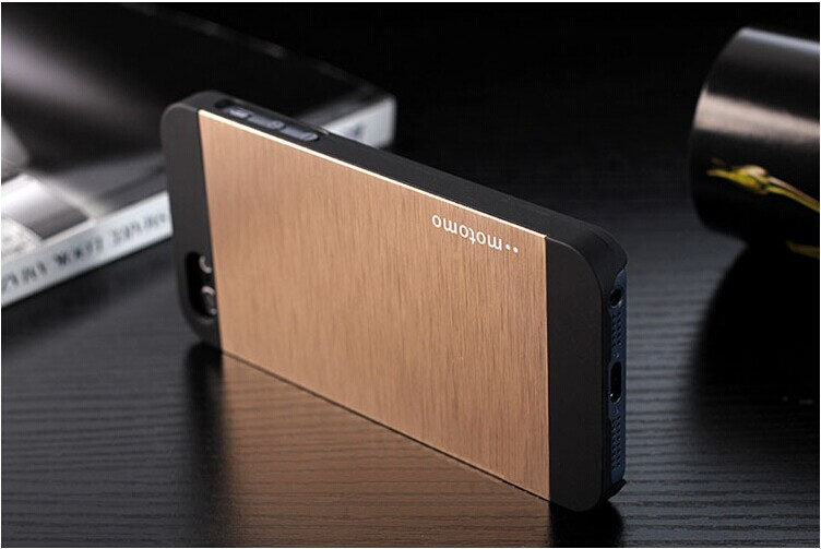 Motomo iphone 5 gold case