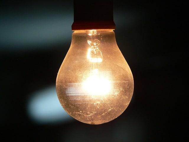 bulb-742428_640